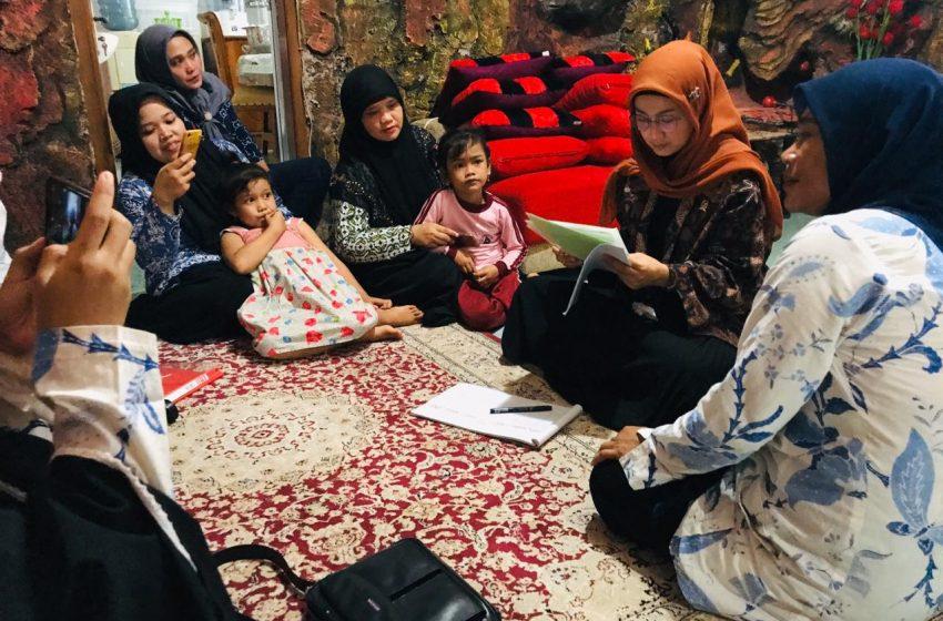 Kunker Di Dapil, Desy Ratnasari Menyerahkan Bantuan Kepada Paud Darunadwah
