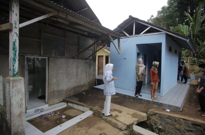 Meninjau Langsung Bantuan SARLING di Kab. Sukabumi Aspirasi Desy Ratnasari