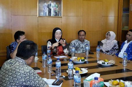 Masa Reses, Desy Mengunjungi Dinas Pendidikan Kab. Sukabumi