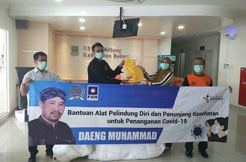 Daeng Muhammad Salurkan APD ke RSUD Kabupaten Bekasi